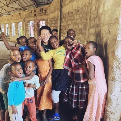 タンザニアでチャイルドケア・教育 楠孔次郎